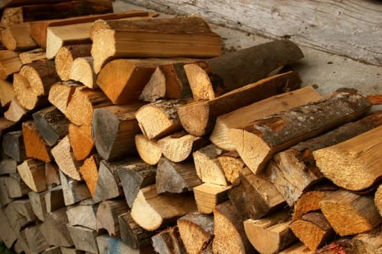 brennholz richtig stapeln so sorgen sie f r eine ausreichende luftzirkulation hammerkauf blog. Black Bedroom Furniture Sets. Home Design Ideas